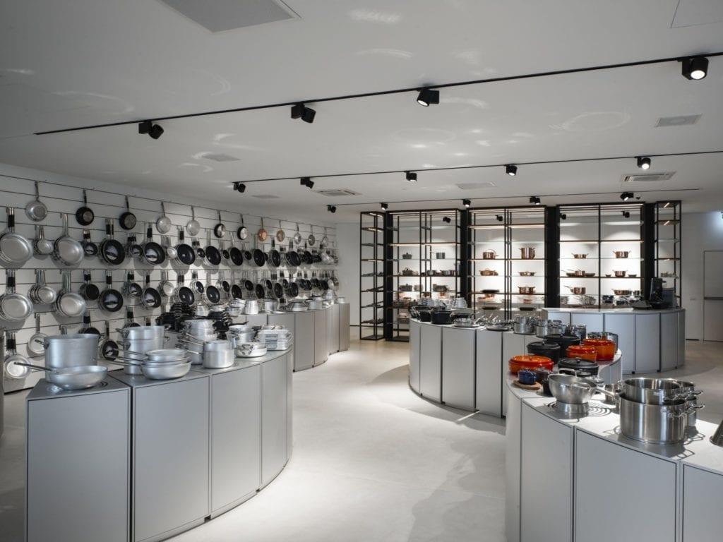Część sklepowa w restauracji Bolle projektu Marco Acerbis Studio