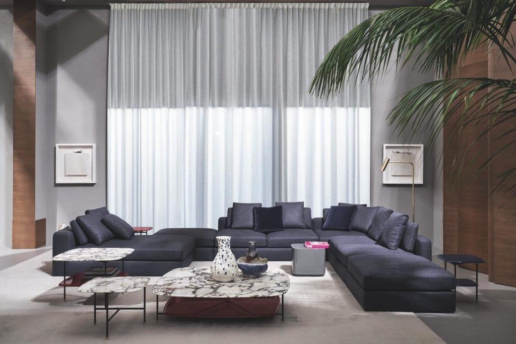 Meridiani - meble włoskiej marki - fioletowa sofa Harold - stolik Adrian