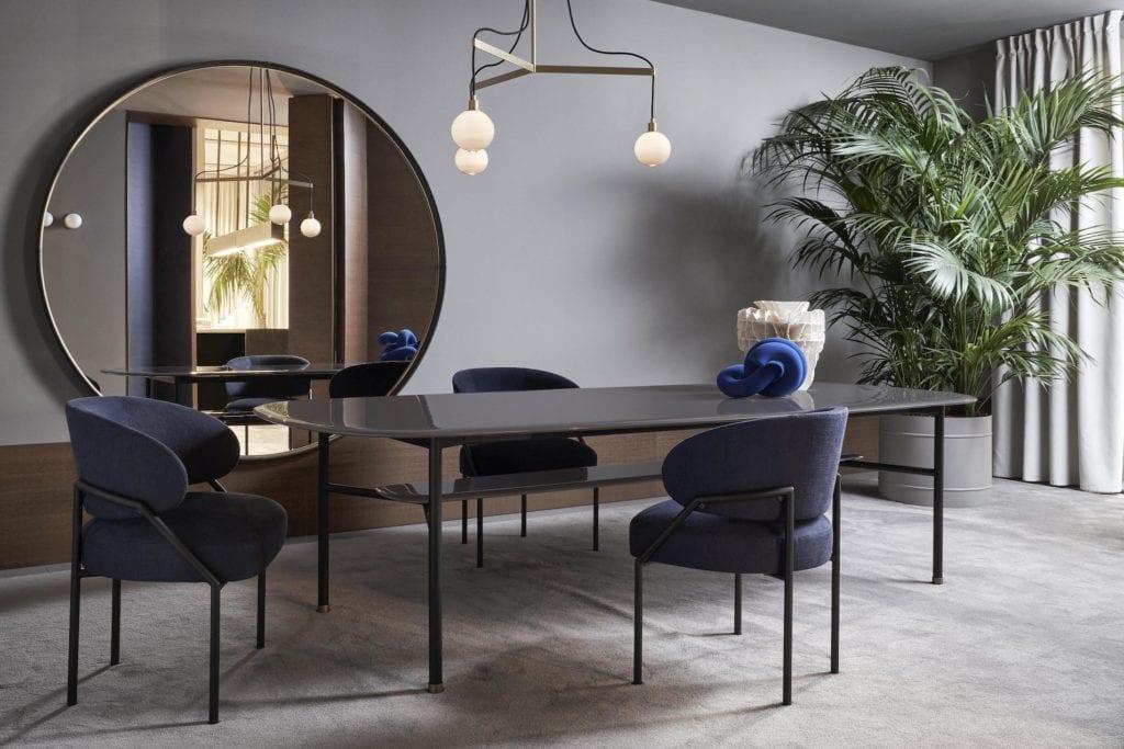 Meridiani - meble włoskiej marki - stół jadalniany Hubert - krzesła Isetta