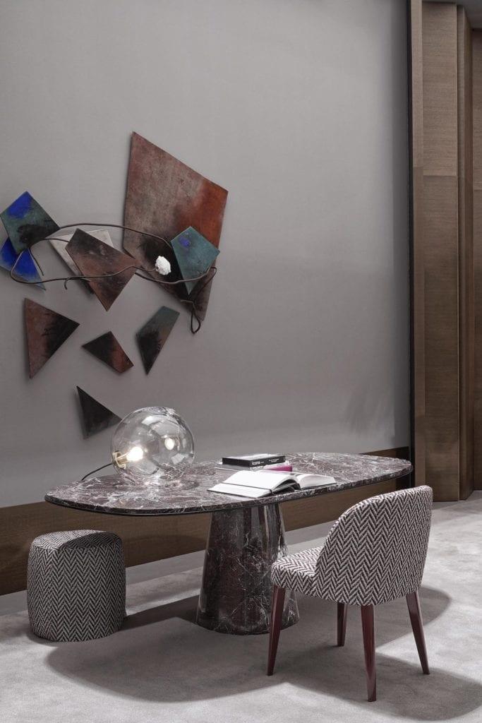 Meridiani - meble włoskiej marki - stół jadalniany Owen - krzesło Odette