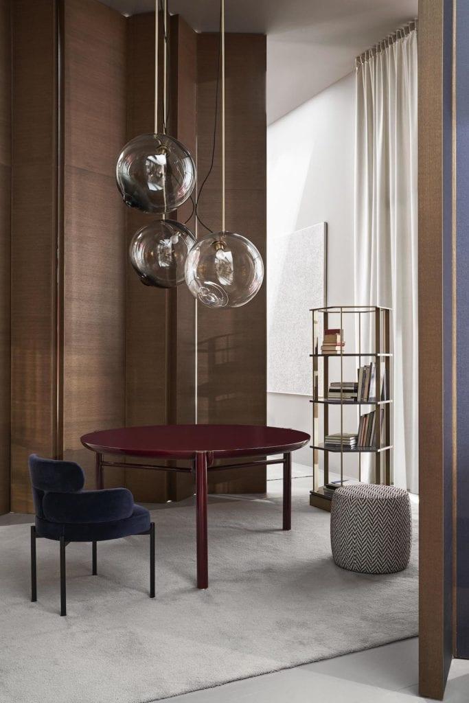 Meridiani - meble włoskiej marki - Stół jadalniany Zeno - krzesło Sylvie