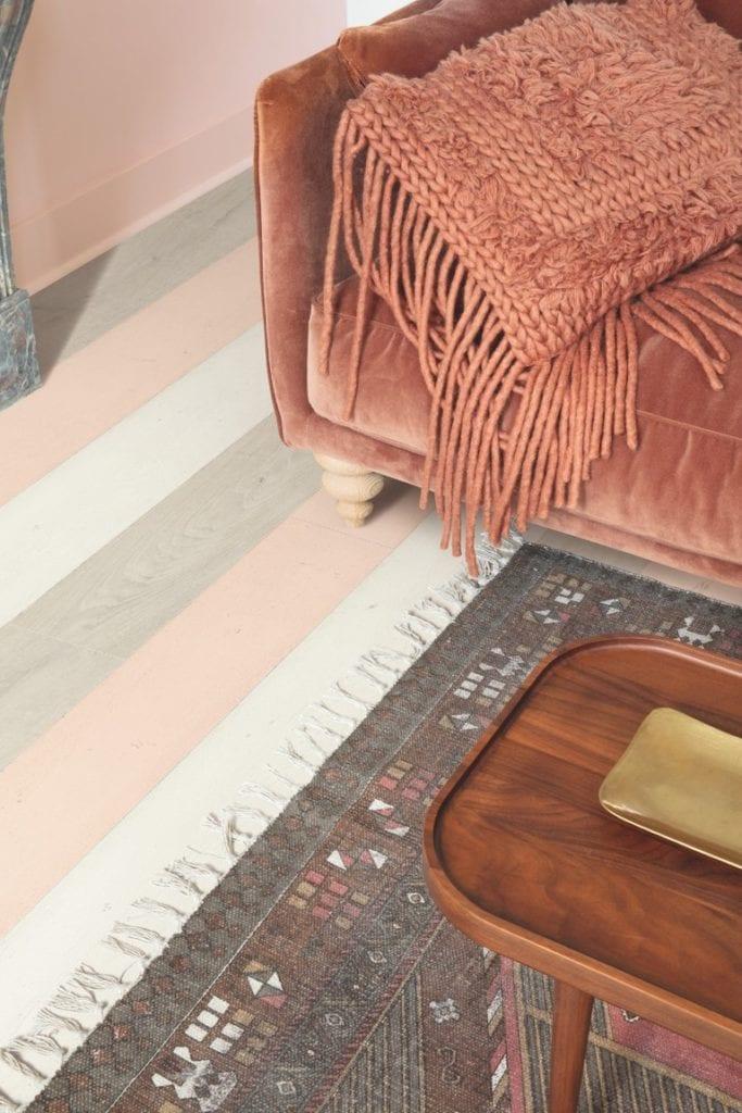 Różowa elegancja - kolekcja podłóg Signature z oferty marki Quick-Step - Dąb Różowy Malowany