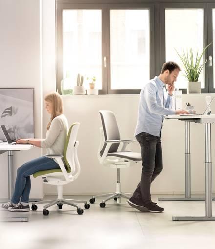 10 designerskich rozwiązań do przestrzeni biurowych - AT-Wilkhahn-plndesign