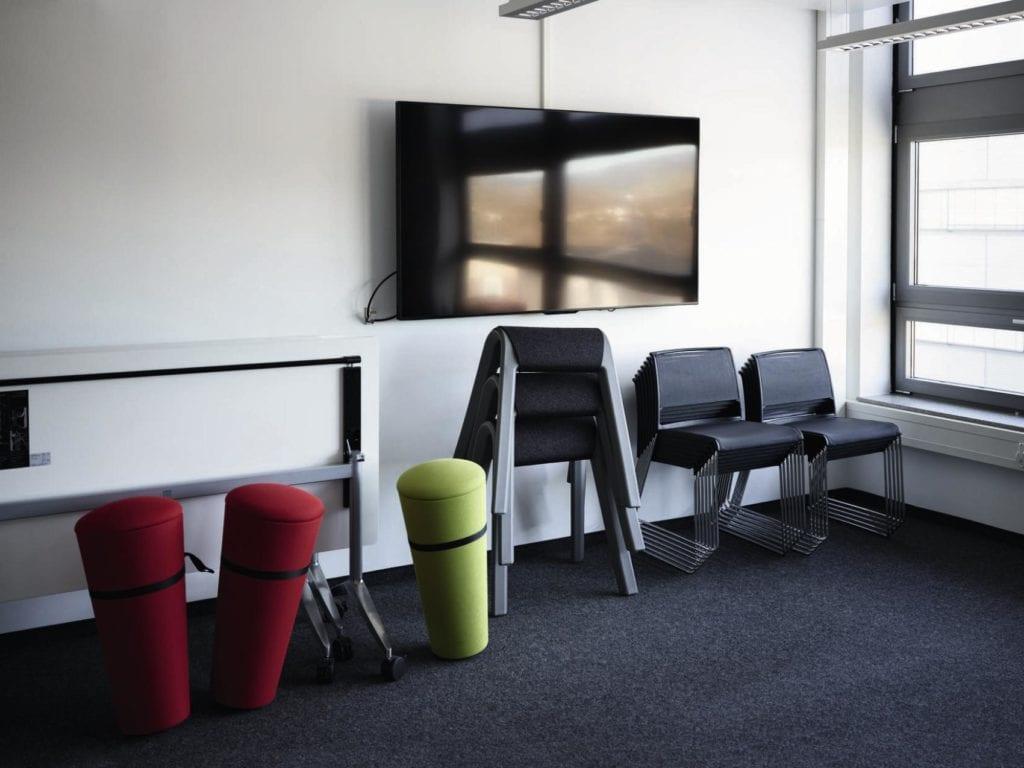 10 designerskich rozwiązań do przestrzeni biurowych - Stand Up Wilkhahn