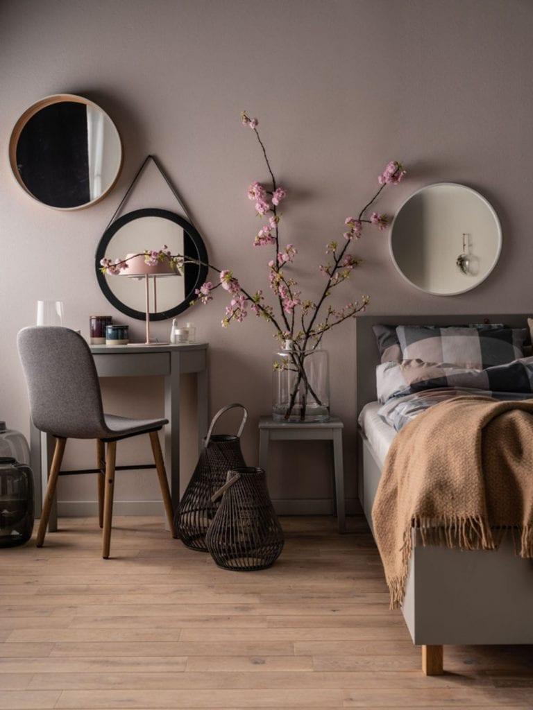 Aranżujemy sypialnię - porady, inspiracje, wskazówki - VOX toaletka Simple