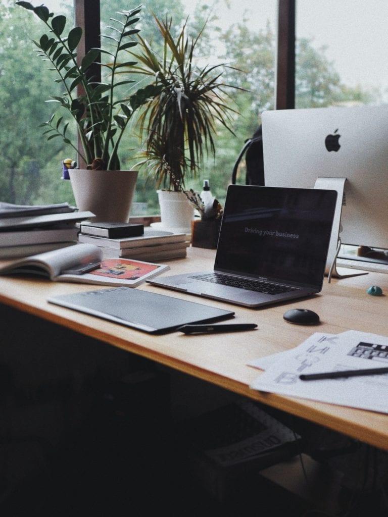 Jak uporządkować wnętrze mieszkania - porady, inspiracje - Komfort podczas pracy