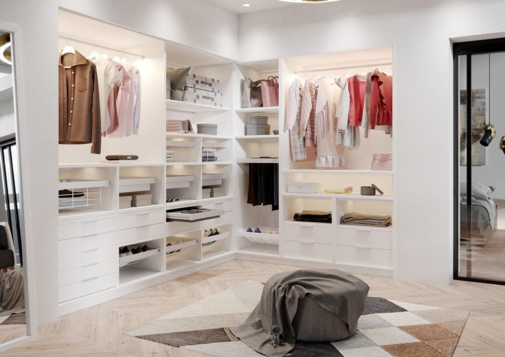 Jak urządzić funkcjonalną garderobę? 5 prostych zasad - ubrania w garderobie