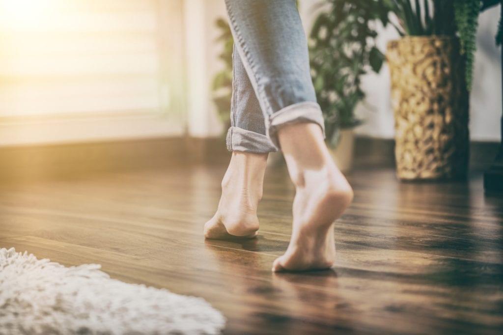 Nowoczesne ogrzewanie podłogowe do domu i mieszkania