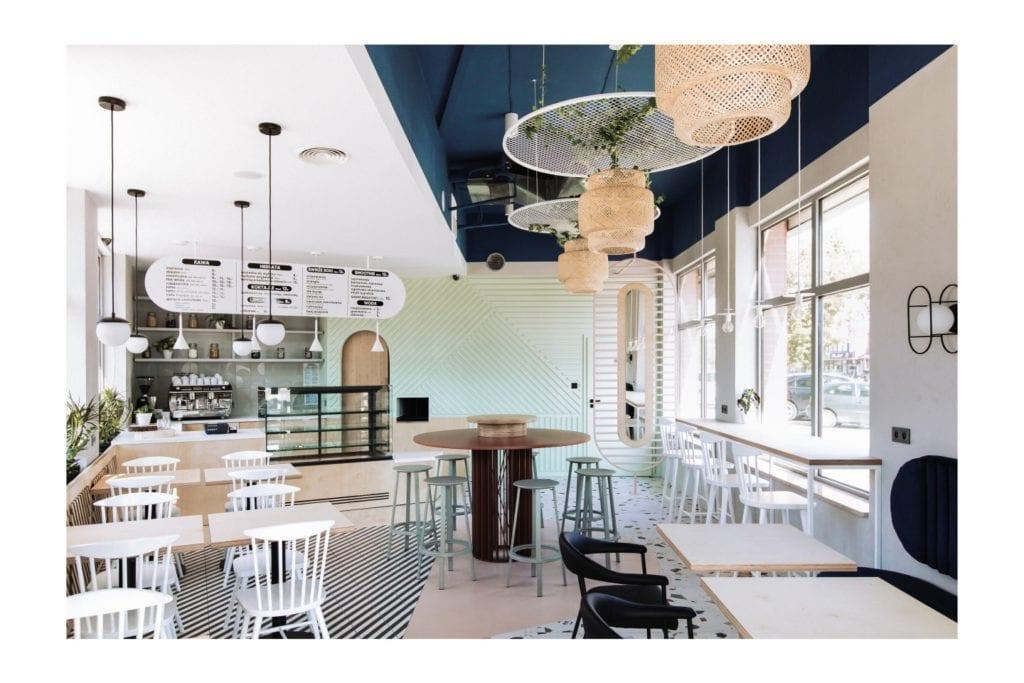 SweetFit & Eat – kawiarnia w soft-loftowym klimacie projektu 74STUDIO