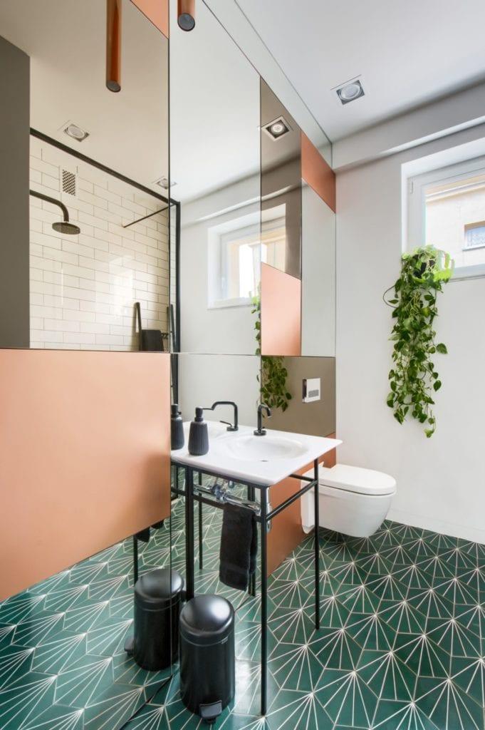 W+M Architektura i projekt biura na warszawskim Mokotowie - łazienka w biurze