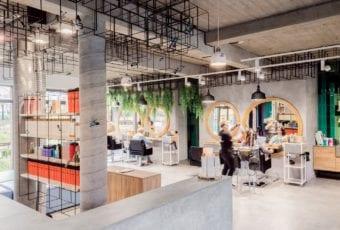 Creativ Hair – salon fryzjerski w industrialnym klimacie