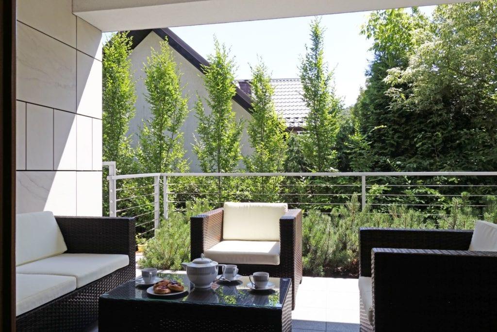 Kameralny apartament na Woli Justowskiej projektu MIKOŁAJSKAstudio