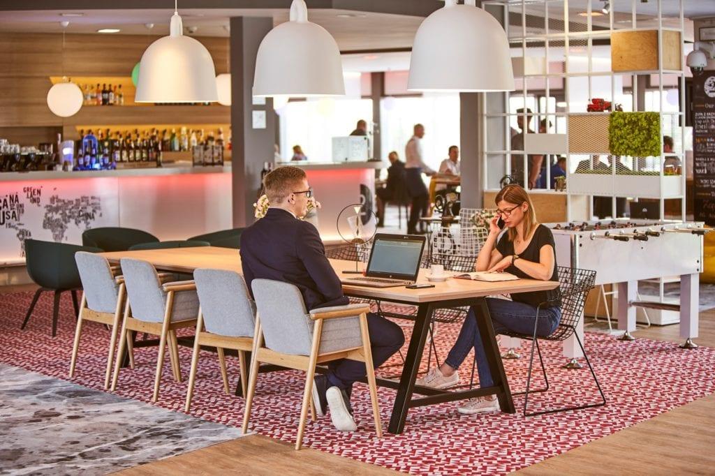 Novotel Wrocław City - filmowy hotel w nowym obliczu - część restauracyjna