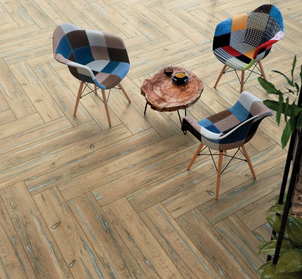 Organic Wood - płytki inspirowane naturalnym drewnem od marki Cersanit - ROCKWOOD BEIGE