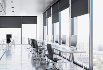 Pełen profesjonalizm, czyli biurowe aranżacje okienne
