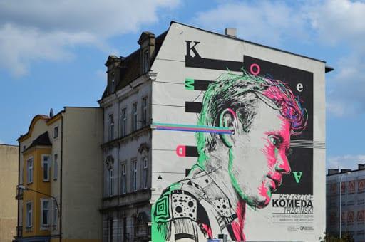Wybierz najlepszą realizację 2019 - plebiscyt Polska Architektura XXL - Mural Krzysztof Komedy w Ostrowie Wielkopolskim, muchaDSGN