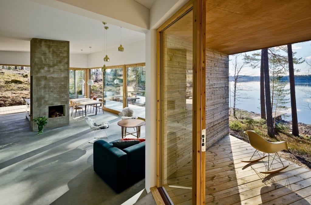 Dalarna House projektu Dive Architects - dom nad szwedzkim jeziorem - projekt Ia Hjärre i Andy Nettleton