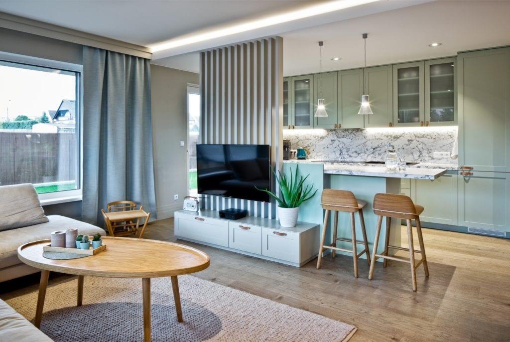 FABRYK-ART i projekt mieszkania na obrzeżach Opola - salon połączony z kuchnią