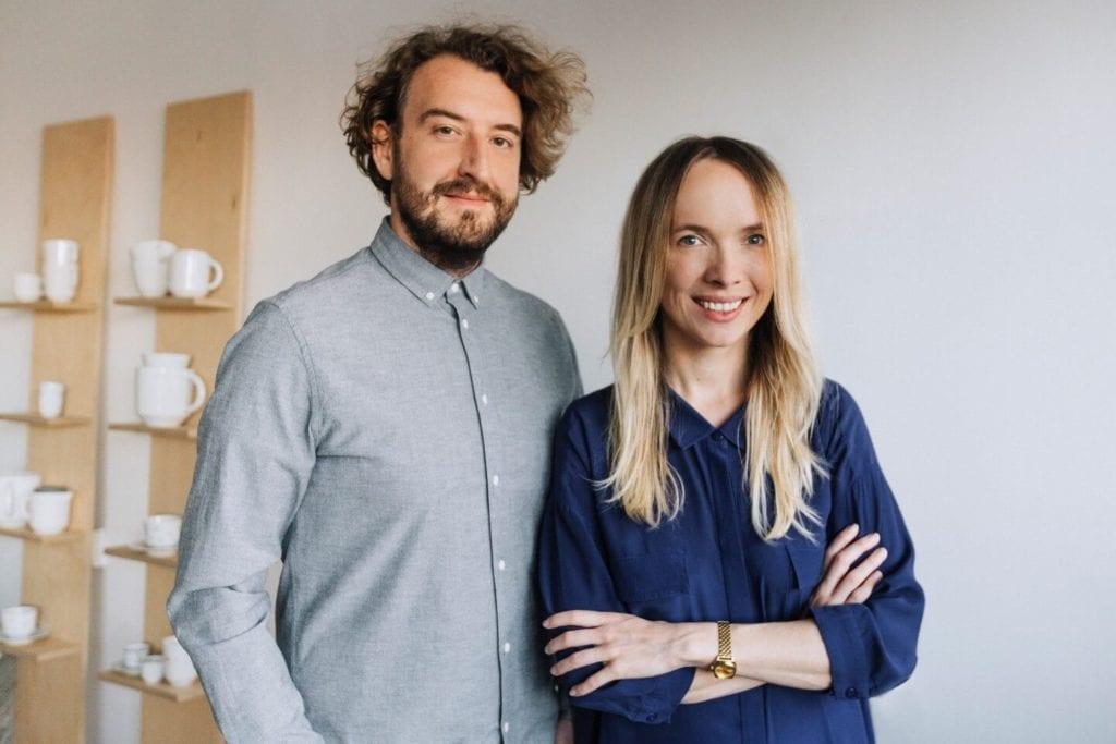 Kolekcja OVAL projektu Grynasz Studio z Red Dot 2020 - marka Devo - Marta Niemywska-Grynasz oraz Dawid Grynasz z Grynasz Studio