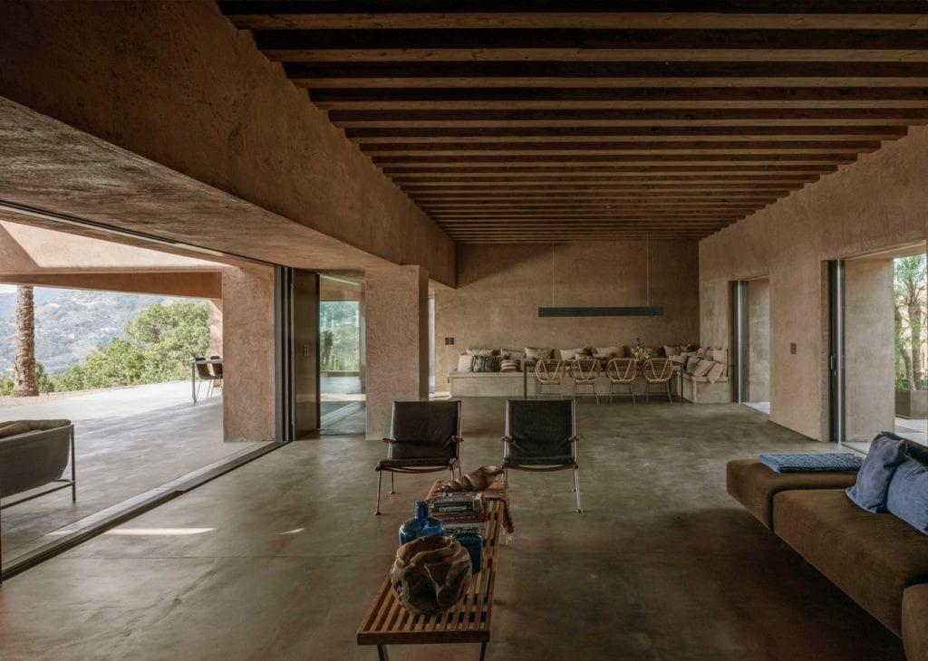 Pracownia MORQ i Villa RA w południowych Włoszech