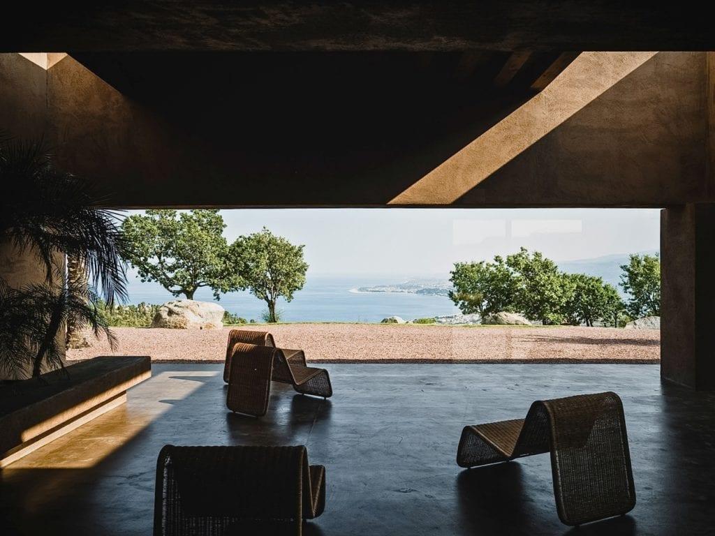 Pracownia MORQ i Villa RA w południowych Włoszech - widok z tarasu