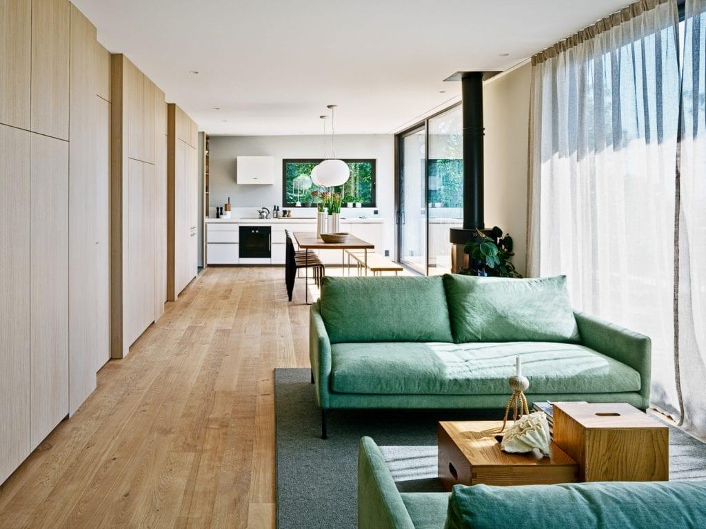 Sommarhus Solviken projektu Johan Sundberg Arkitektur - wnętrze domu