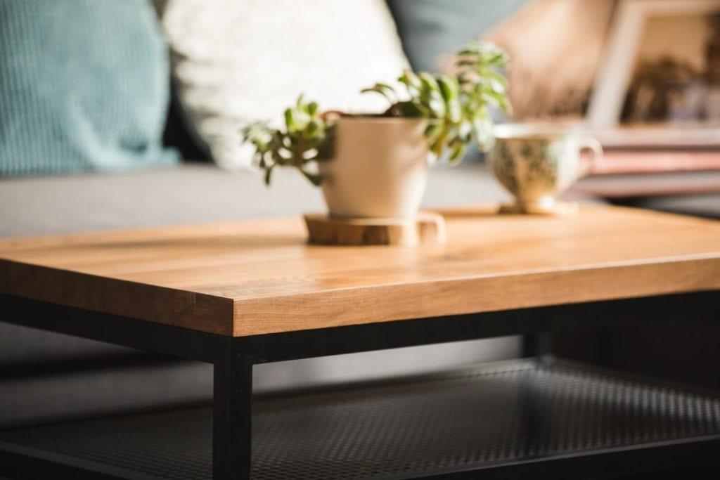 Unikatowe produkty z manufaktury Wolne Meble - stół z drewna