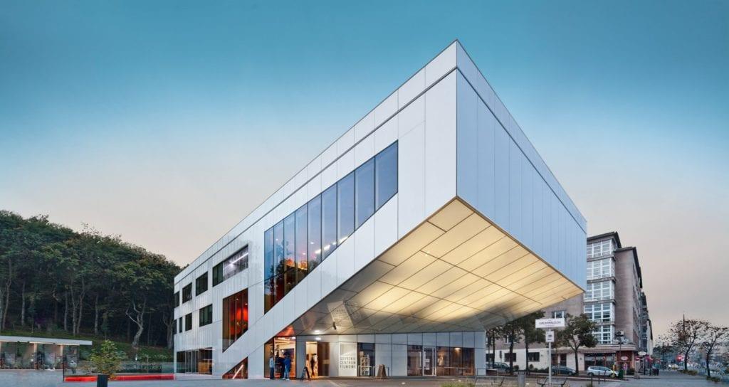 Psychologia i architektura – nierozerwalny duet - Gdyńskie Centrum Filmowe - projekt Arch-Deco