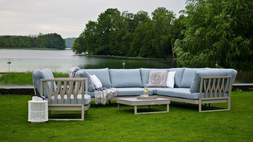 Miloo Home - SUE Blue - 3 najgorętsze trendy w aranżacjach ogrodu, tarasu i balkonu Meble tarasowe - meble ogrodowe - meble outdoorowe