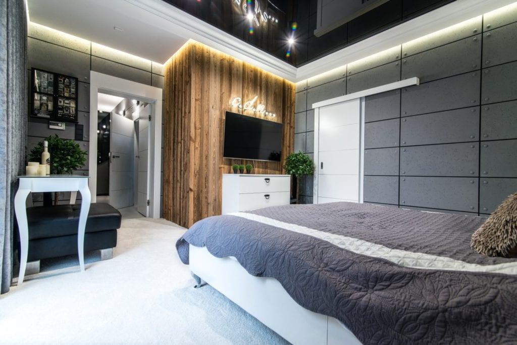 Nowoczesne wnętrze projektu pracowni Dagar Studio - sypialnia z dużym łóżkiem