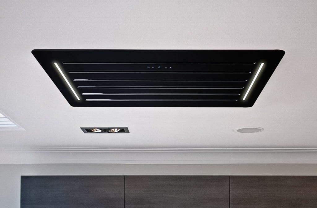 Sztuka prostoty - okapy sufitowe w nowej odsłonie - okap Nortberg Venus CR Black