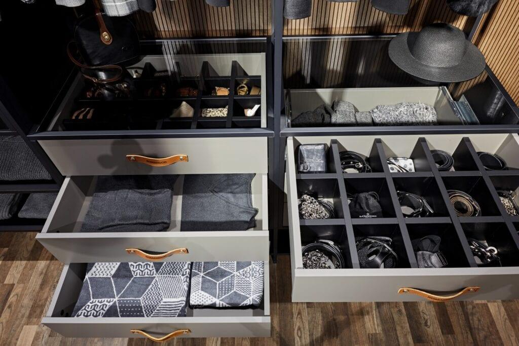Akcesoria do szaf - inspiracje i porady od ekspertów - szuflady z przegródkami