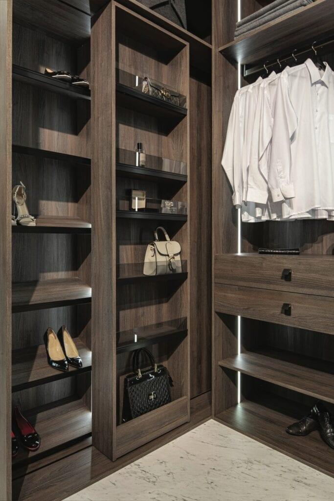 Akcesoria do szaf - inspiracje i porady od ekspertów - Półki i prawidła na buty