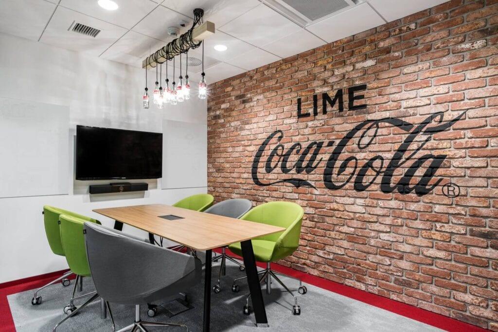 Biuro Coca Cola HBC projektu pracowni Bit Creative - zdjęcia Fotomohito
