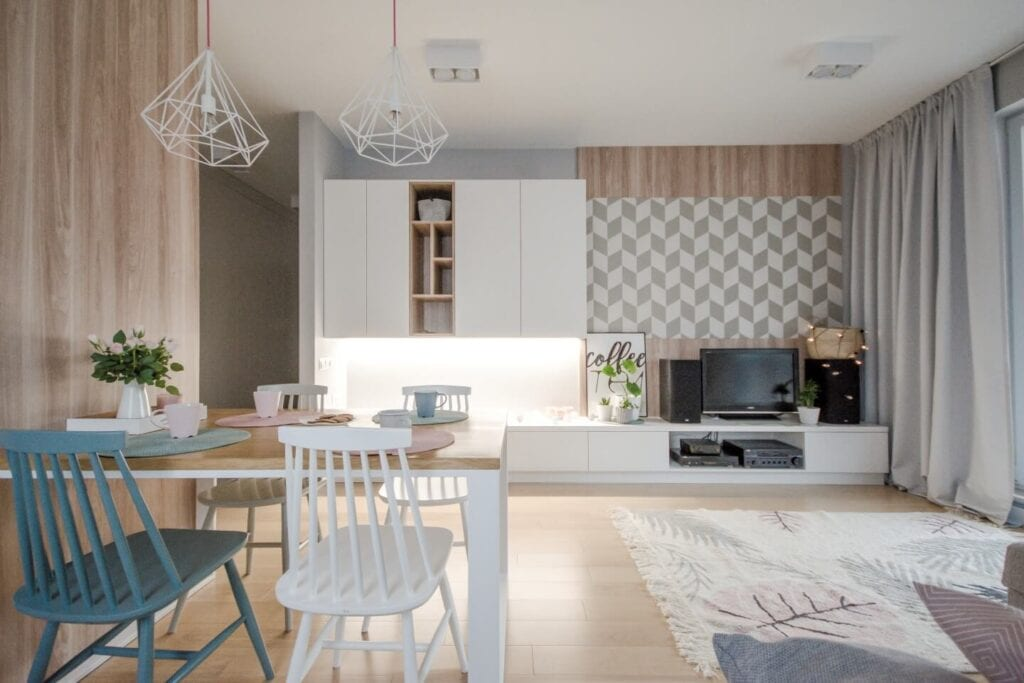 Mieszkanie projektu Design me too - relaks z miętą i różem w tle