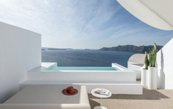 Hotel Saint na Santorini projektu Kapsimalis Architects