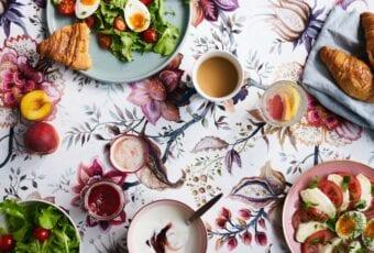 Tkaniny dekoracyjne – propozycje Dekoma na sezon wiosna-lato 2020