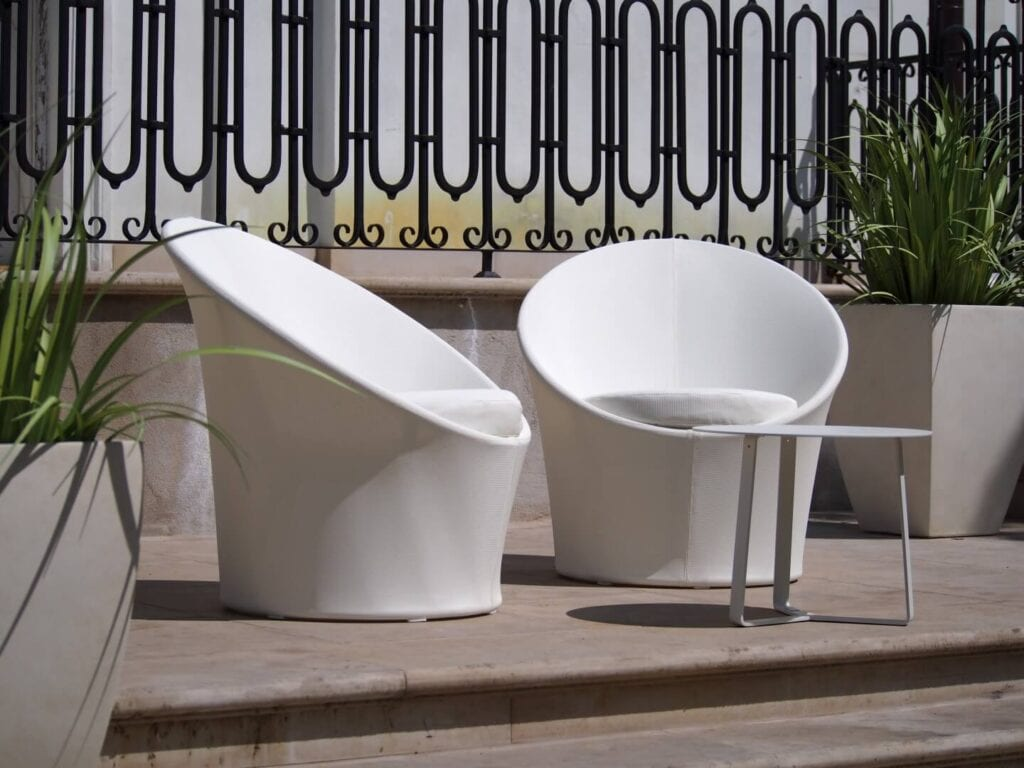 3 mity na temat wyboru mebli na taras i balkon - Kolekcja Lisbon Round - Miloo Home