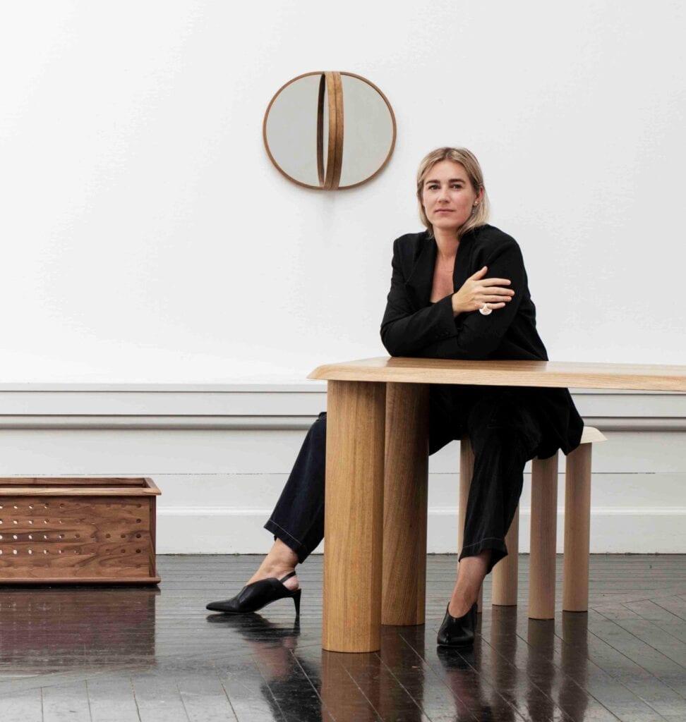"""Connected"" - 9 projektantów, 3 gatunki drewna, 1 warsztat - Maria Bruun"