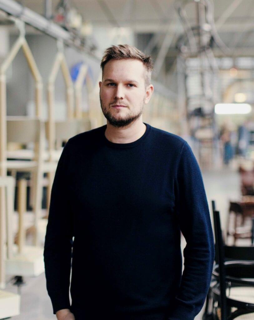 """Connected"" - 9 projektantów, 3 gatunki drewna, 1 warsztat - Sebastian Herkner"
