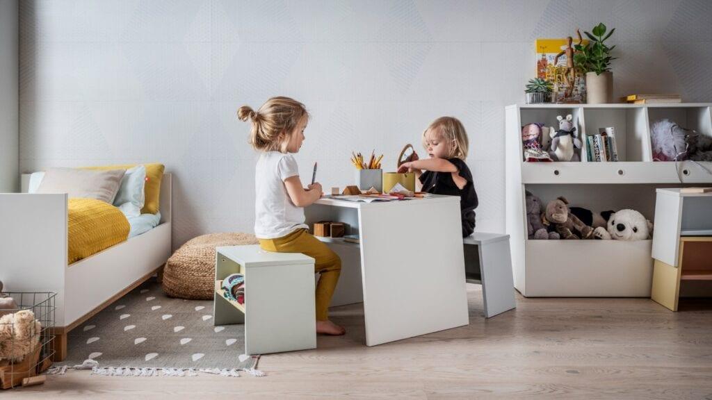 Dąb czy jesion? Drewniane podłogi do domowych wnętrz