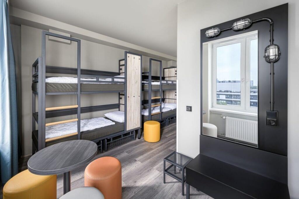 Hostel A&O Wola projektu pracowni Tremend - zdjęcia Łukasz Zandecki