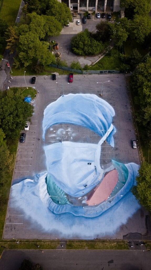 Jorge Rodríguez-Gerada i mural stworzony w hołdzie lekarzom - zdjęcia Eduardo Amorim/Greenpoint Innovations