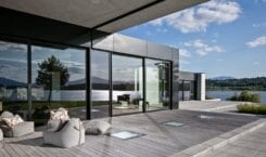 RE: LAKESIDE HOUSE projektu REFORM Architekt