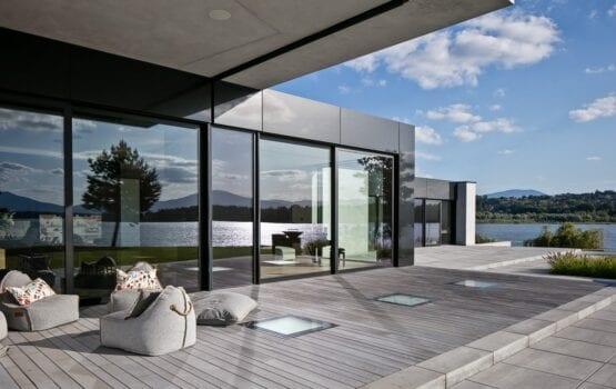 RE: LAKESIDE HOUSE projektu REFORM Architekt