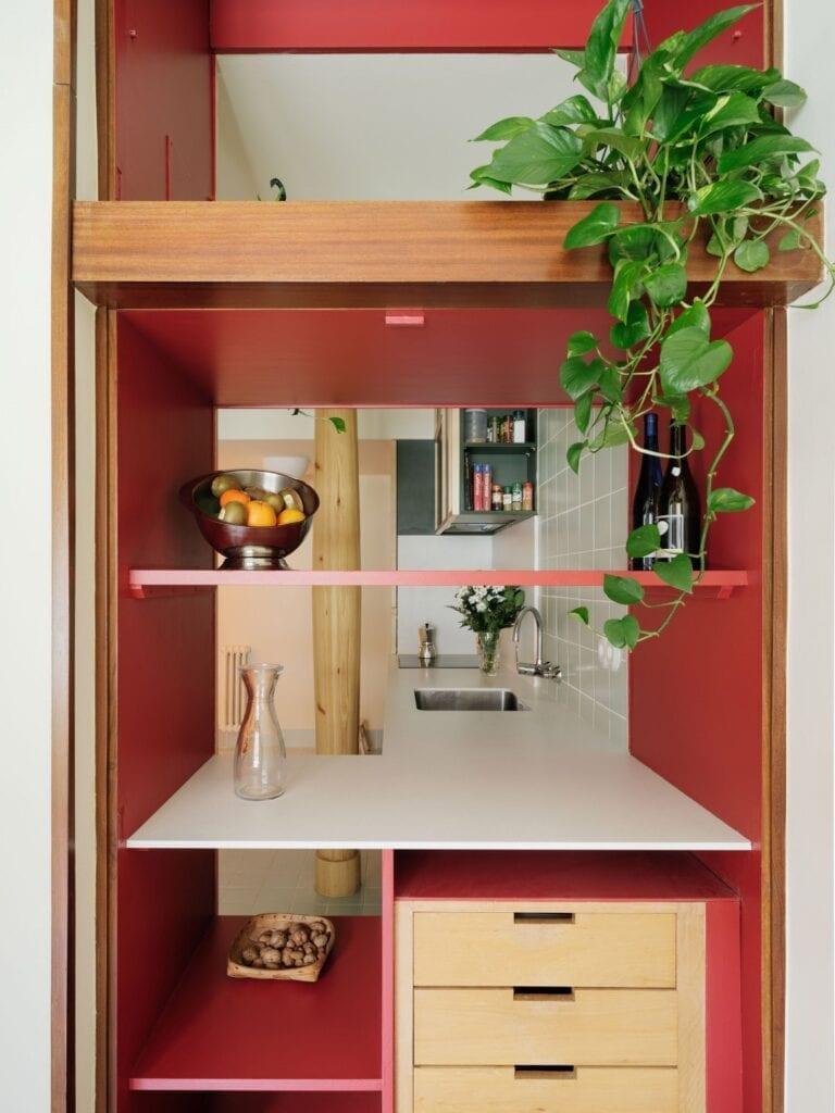 Studio Azab i potęga różu w mieszkaniu w malowniczym Bilbao - zdjęcia Luis Diaz Diaz