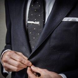Spinka do krawata Fein Fein model inicjały wykonany ze srebra