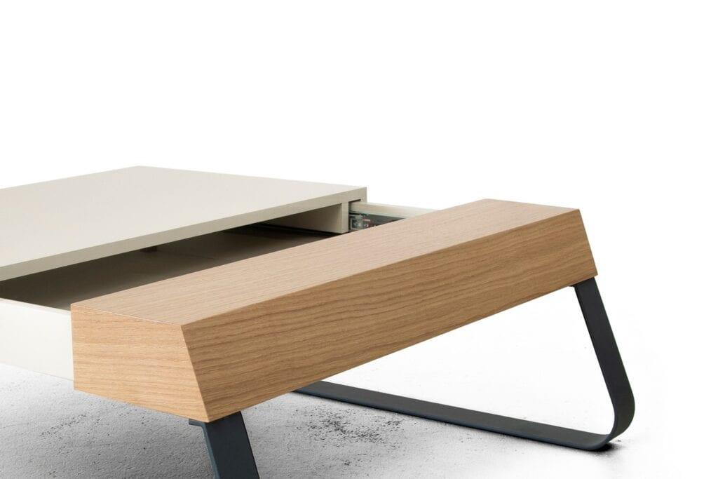 Funkcjonalny stolik do salonu od marki Bozzetti - stolik Sanky