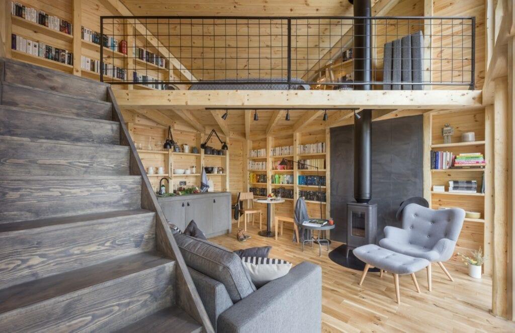 Poza miastem. Podłogi do domów z klimatem i przeszłością - Bookworm Cabin
