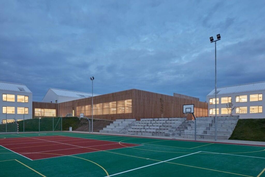 Studio SOA i projekt szkoły podstawowej w gminie Psáry - zdjęcia BoysPlayNice